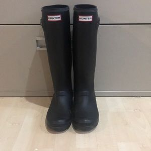 COPY - Hunter Boots Size 6 US